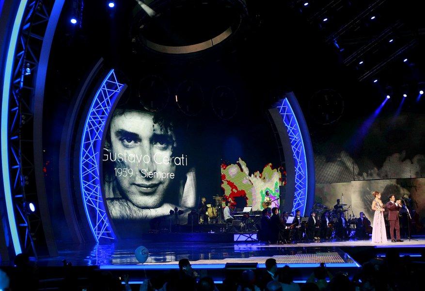 Conmovedor homenaje de Pedro Aznar a Gustavo Cerati en Viña del Mar (2/6)