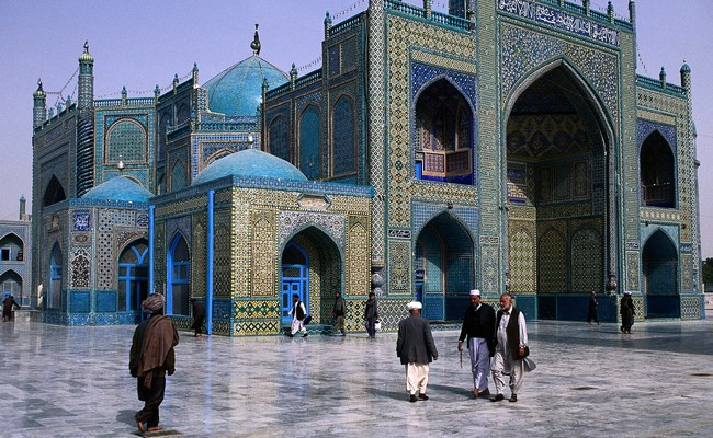 From Enlightenment to fanaticism: Mazar-i-Sharif's Blue Mosque, origin of Friday's massacre. (© Arslan Zahid)