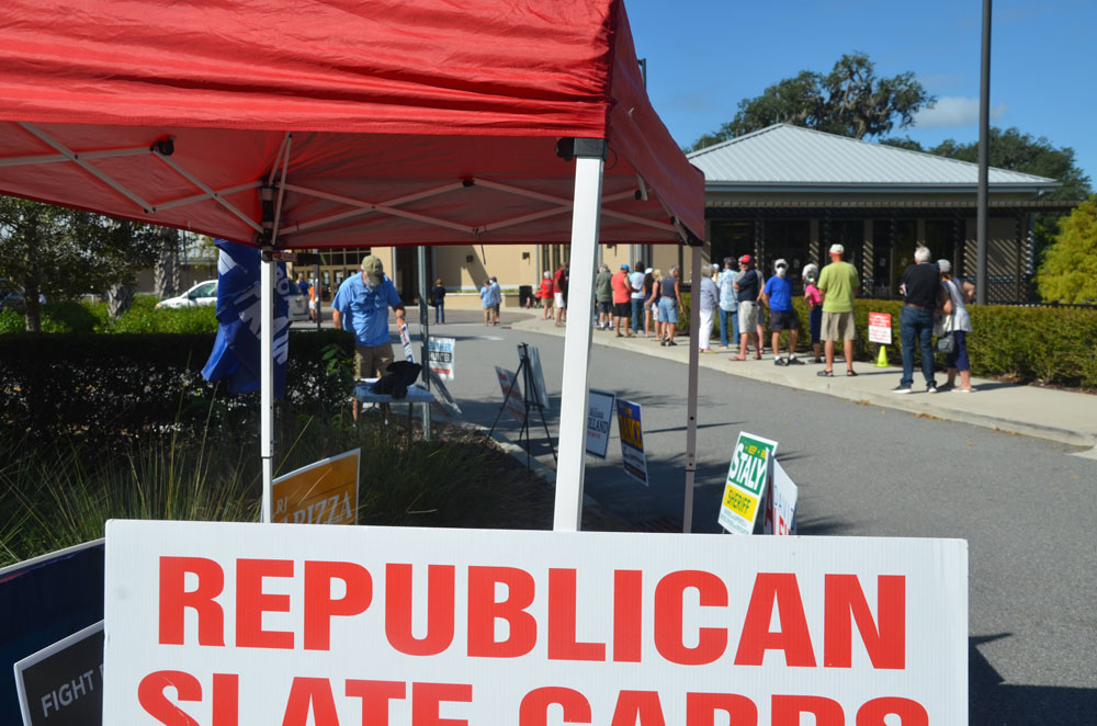 A GOP tent at the Palm Coast Community Center, an early voting location until Oct. 31. (© FlaglerLive)
