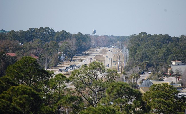 State Road 100, a great place for more spy traffic cameras, according to Palm Coast, not so great, according to county government. (© FlaglerLive)