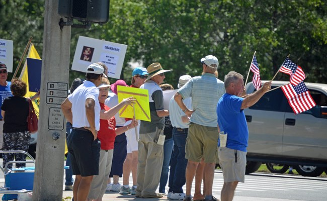 An anti-Obama tea party rally in Palm Coast in March. (© FlaglerLive)