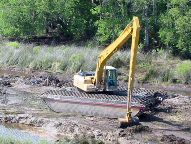 Start the engines: a wetlands restoration project. (SJRWMD)