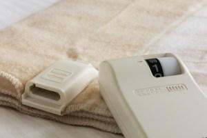 布団乾燥機は電気毛布を敷いたまま使える?