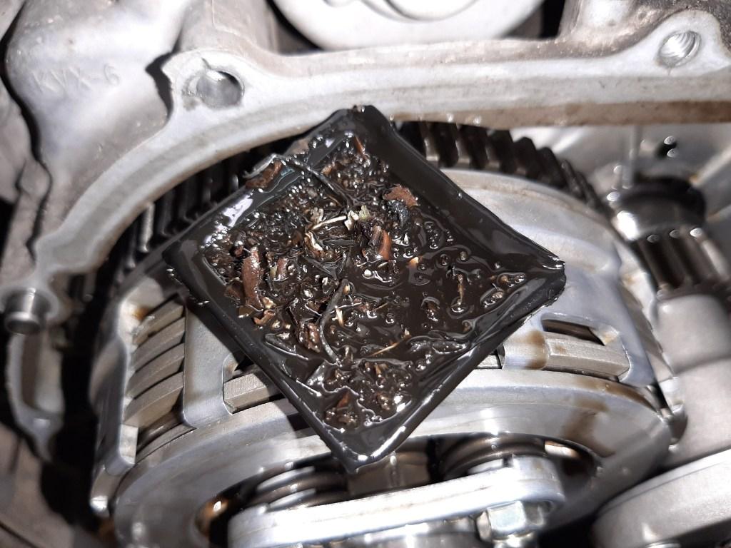 residuos en el motor