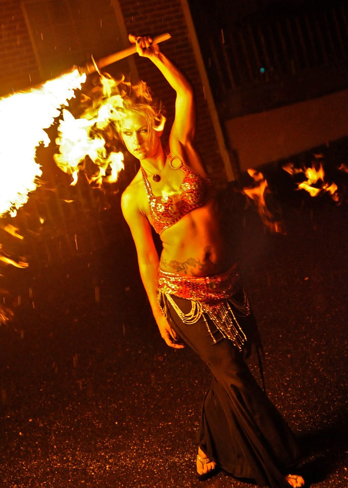 North Carolina Fire Performer Mundi Broda Flamewater Circus (2)