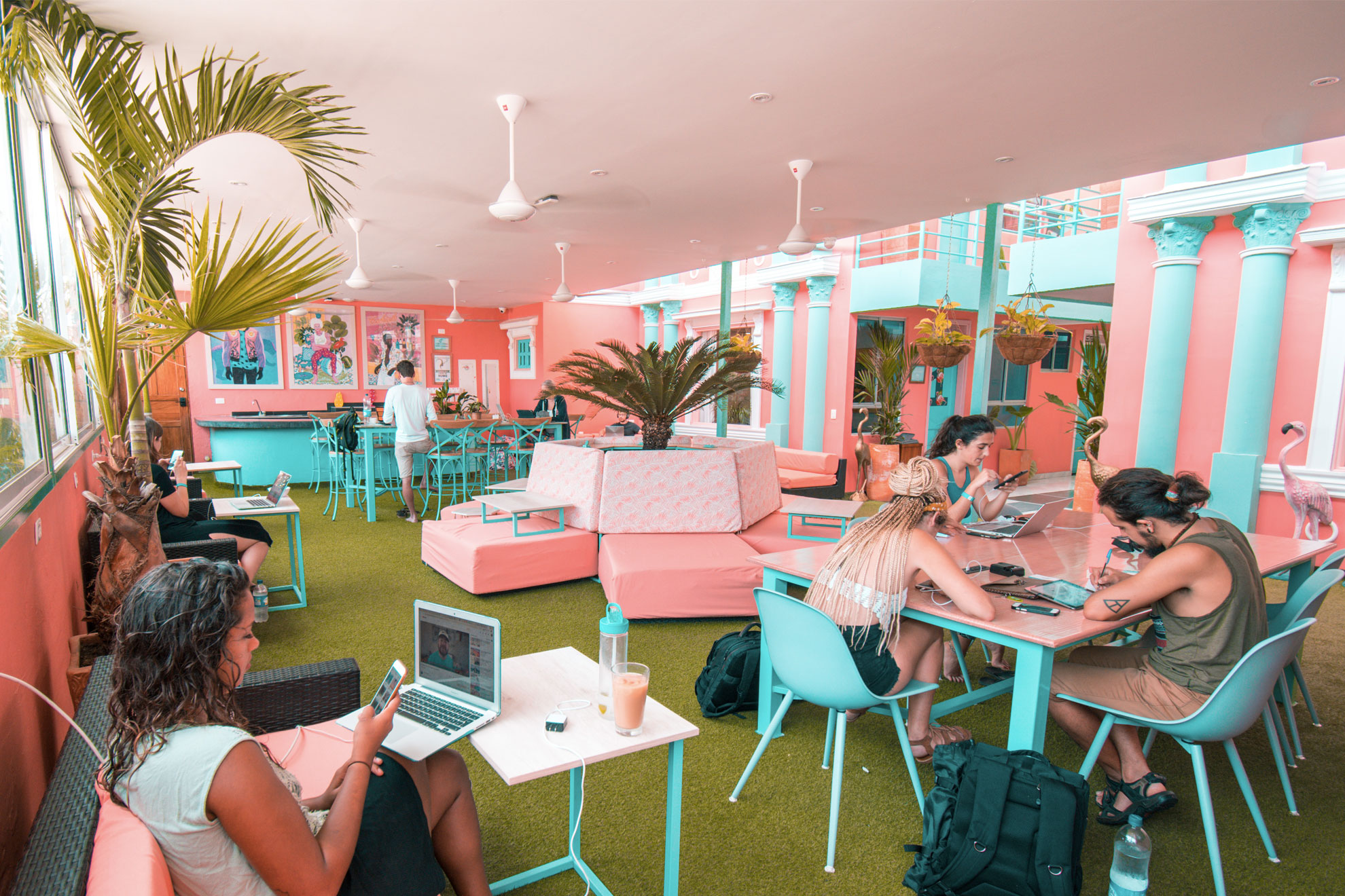 4 things to teach yourself to freelance by Flamingo Coworking