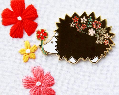 Hedgie Floral Needle Minder