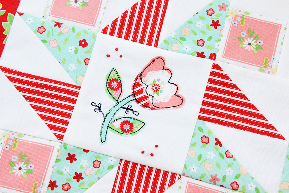 Happy Little Things Quilt Block 4 by popular quilting blog, Flamingo Toes: image of a Happy Little Things quilt block with Vintage Keepsakes fabric.