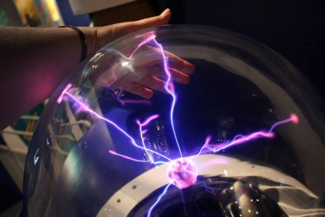 Plasma ball experiment