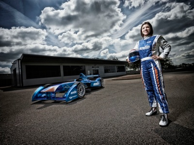 1 British racer Katherine Legge has today signed for newly titled Amlin Aguri Formula E team becoming the first female driver for the new all electric FIA Formula E Championship
