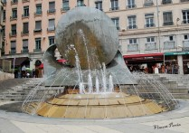 Fontaine Place Louis Pradel (2)