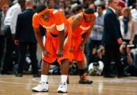 Jonny Flynn au premier plan et Paul Harris au second pour Syracuse (c) Getty