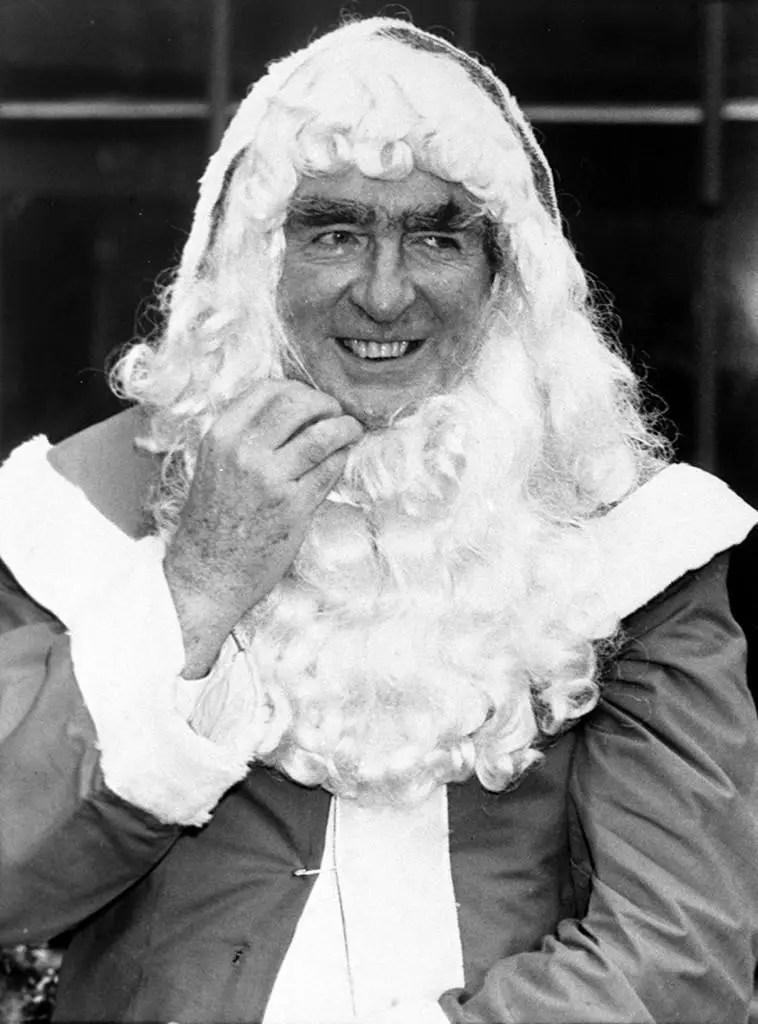 Famous Faces Dressed As Santa Claus Flashbak