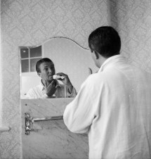 Richie Benaud Takes Shower And Shave 1961