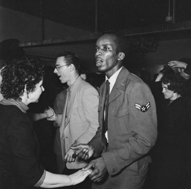 The scene on the dance floor at the 'Club Americana', a Saturday night jazz club open from midnight until 7 a.m., London, 25th November 1955. (Photo by Keystone Features/Hulton Archive/Getty Images)