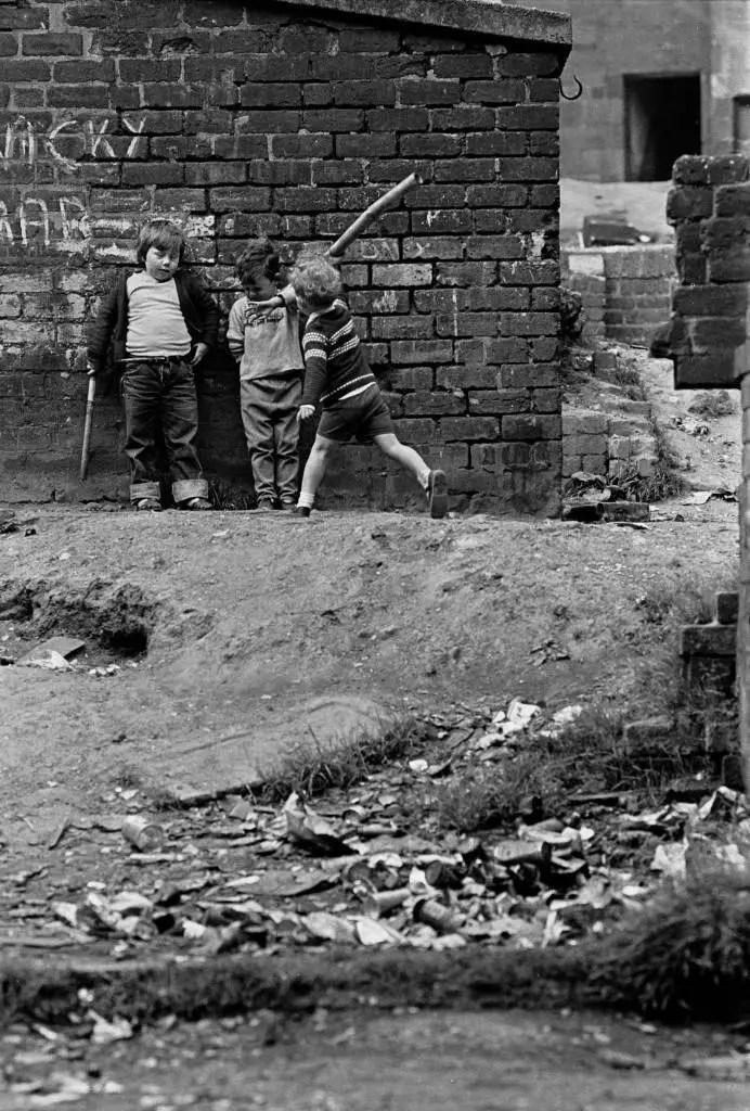 Powerful Photos Of Glasgow Slums 196972