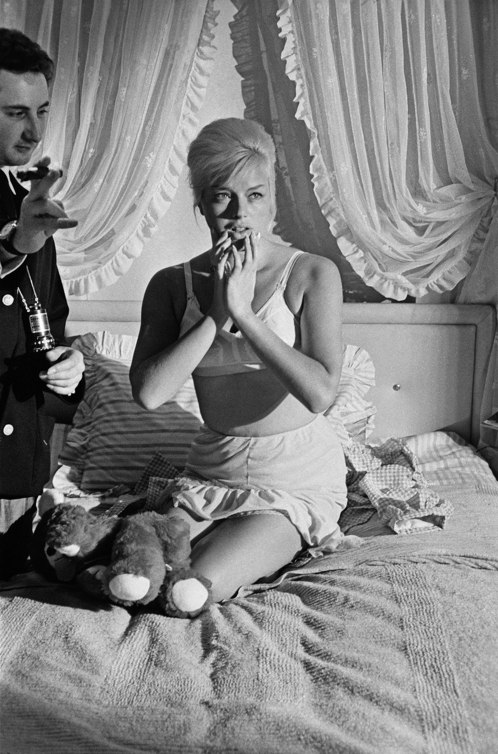 Brilliant Photos of Michael Winner Directing Diana Dors In
