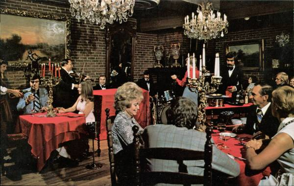 Eating Mind-blowing Mid-century Restaurant Postcards
