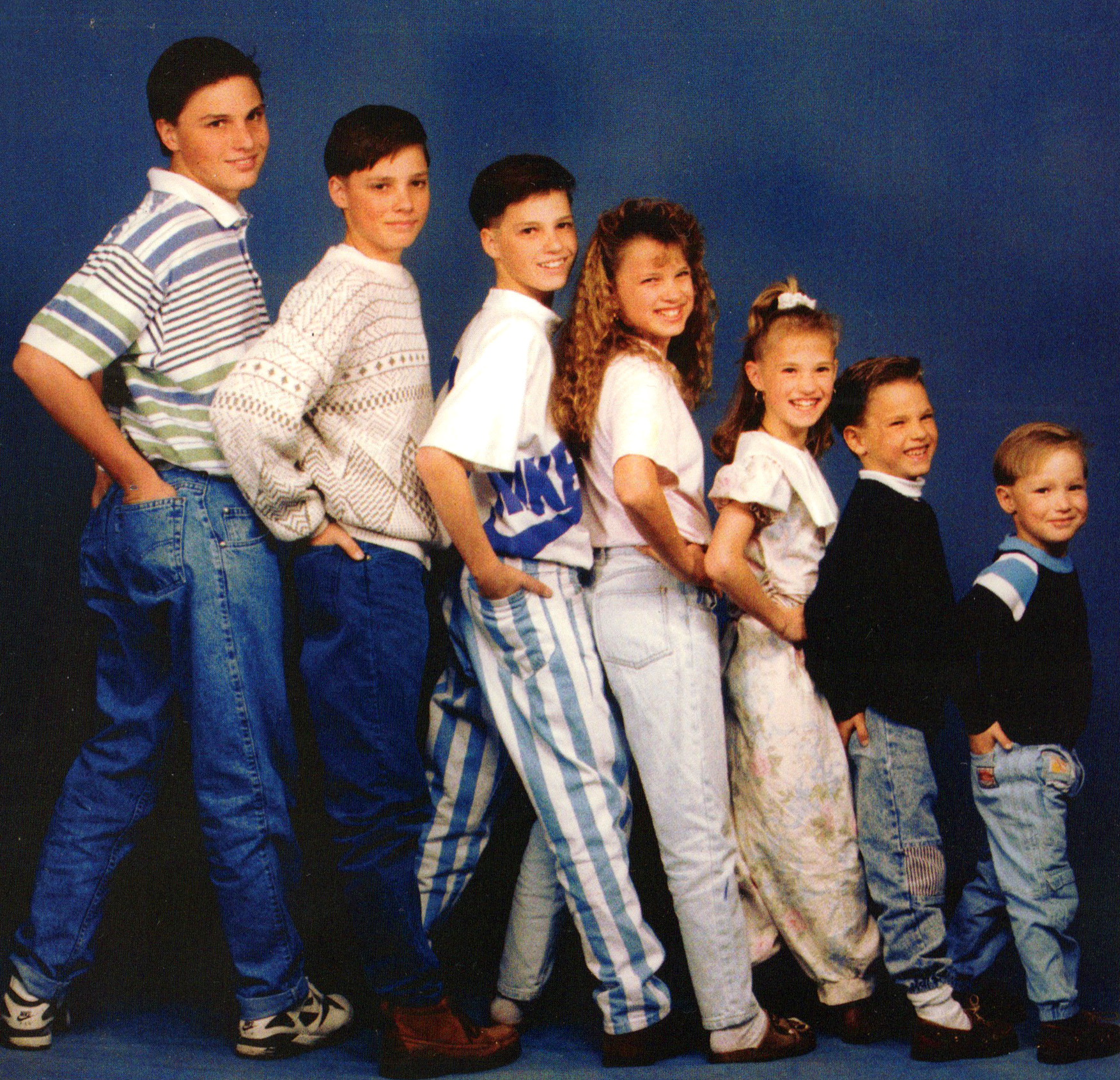 Awkward Family Portraits Of Yesteryear