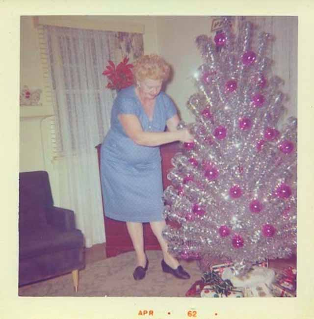 Silver Christmas Tree Retro Color Wheel