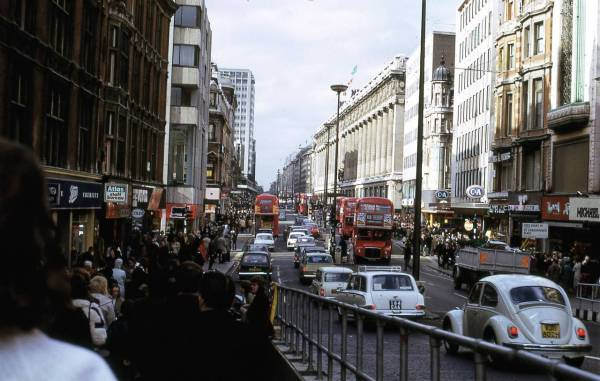 Glorious Colour Of London In 1972 - Flashbak
