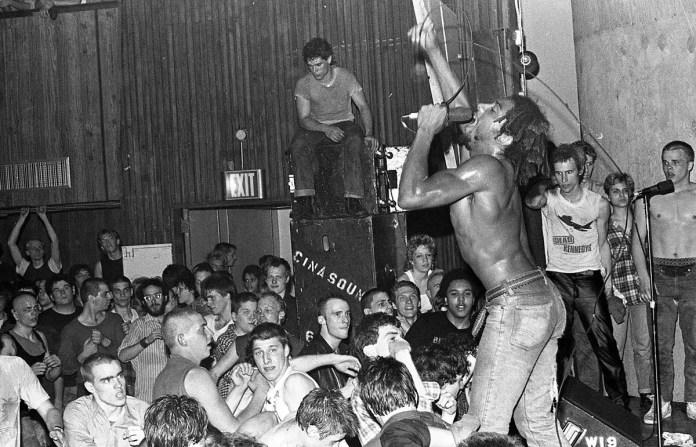 Нижний Ист-Сайд Нью-Йорк панки в 1980-х годах Карен О'Салливан