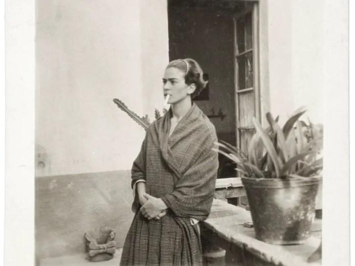 Фрида Кало в Casa Azul, анонимный фотограф, 1930
