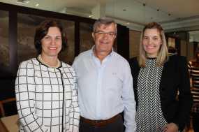 - Eliana Vertematti Gonçalves, José Manoel Gonçalves e Carolina Gonçalves