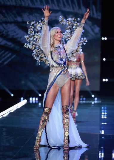 Swarovski Sparkles In the 2017 Victoria's Secret Fashion Show