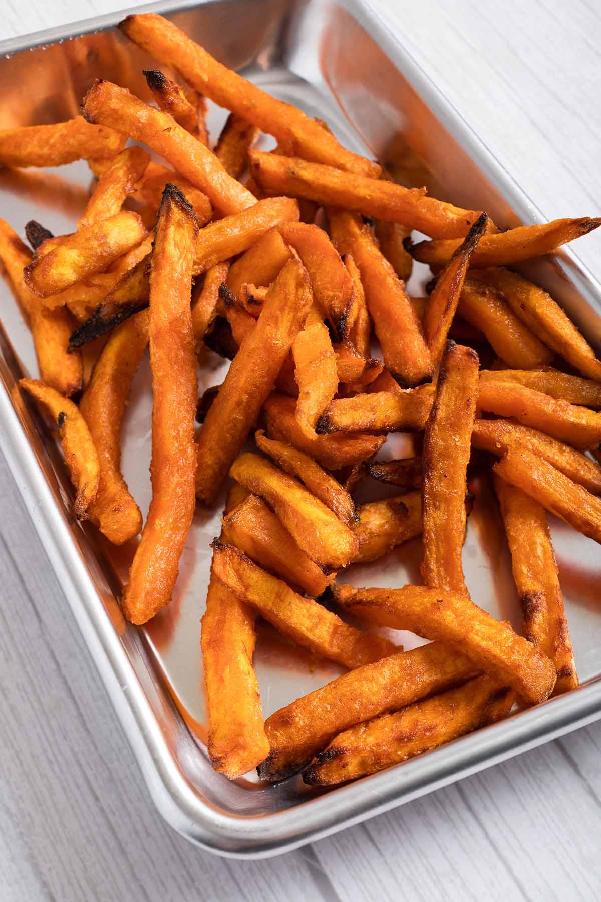 Crispy air fryer sweet potato fries