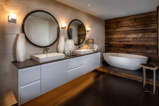 Flashman_Bathroom__5406d-11x8