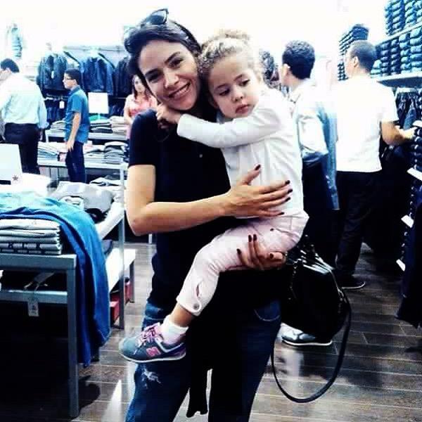 Najla ben abdallah et sa fille