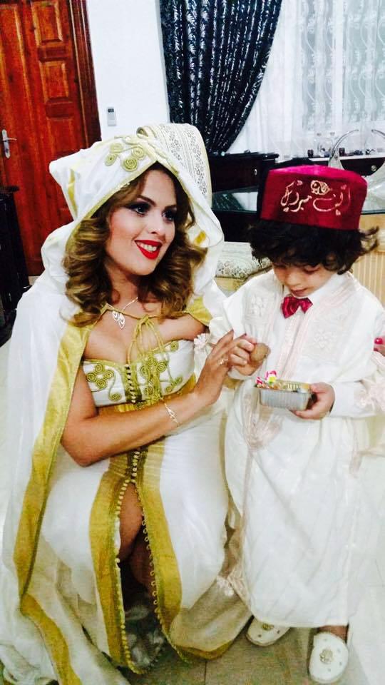 Stars Tunisiennes - L'actrice Yosra manaii avec son fils