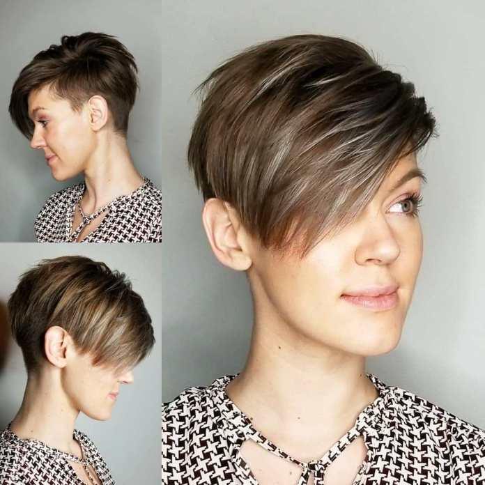 Coupe de cheveux courte asymétrique avec une frange en surbrillance