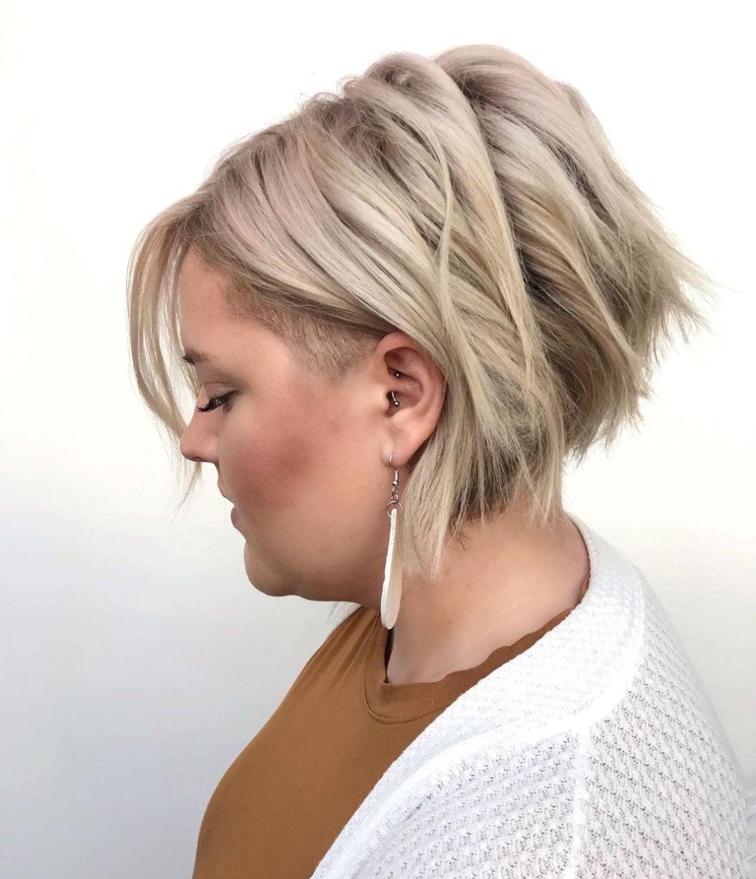 Les coupes de cheveux courtes, moyennes et longues les plus flatteuses pour les doubles mentons
