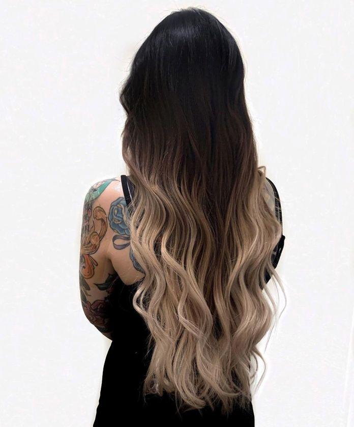 Cheveux noirs avec ombre blonde fondu