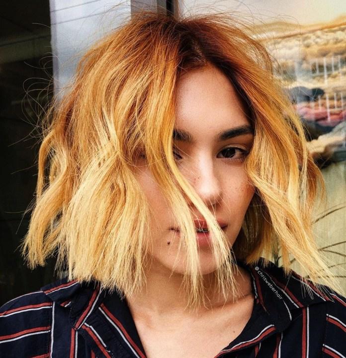 Balayage blond fraise pour cheveux courts
