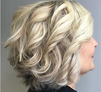 50 coiffures anti-âge pour les femmes de plus de 60 ans