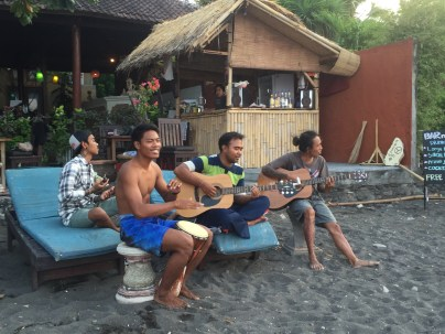 Playing music on the beach of Amed