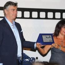 Fabrizio Borni premia Francesca Piggianelli. PREMIO ANPOE 2016