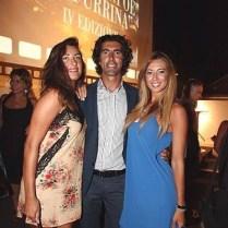 modelle Claudia Russo - Martina Menechini con il presentatore Fabrizio Pacifici.PREMIO ANPOE