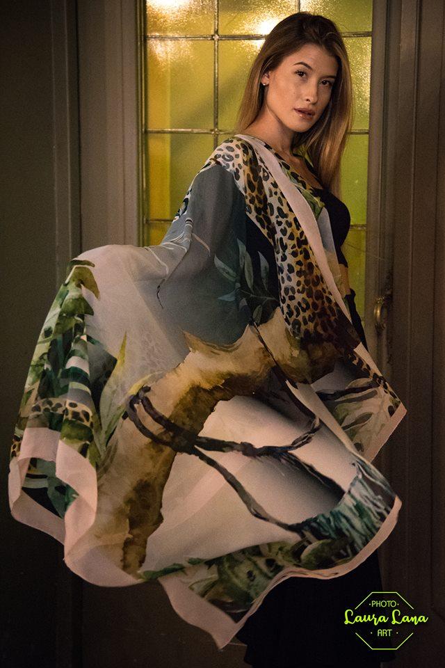 J'Etrès segna il ritorno del foulard di seta
