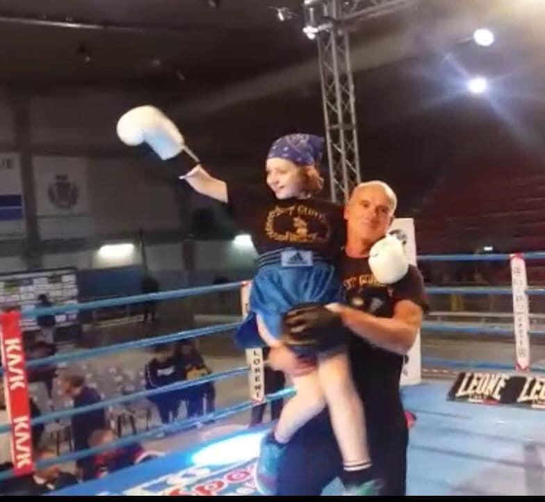 il bambino e la boxe