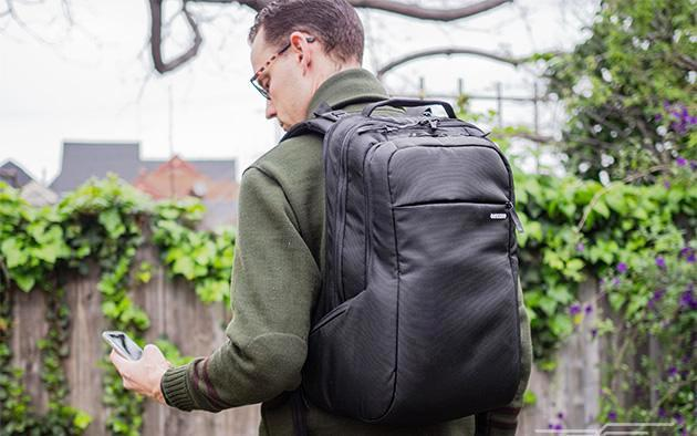 Awesome Laptop Bags For Every Students & Official Use