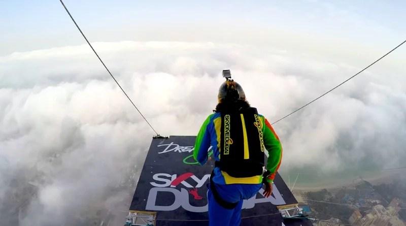 Extreme Stunt in Dubai - DreamJump