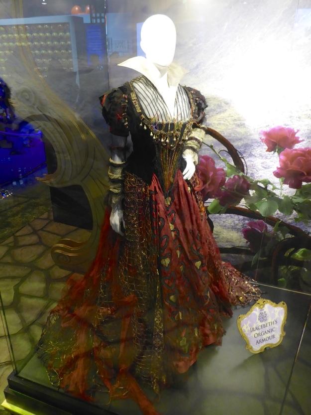 Alice through looking glass Iracebeth organic armor