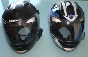 Le S1 noir à gauche, le S1 Pro à droite