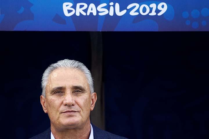 SÃO PAULO, SP - 22/06/2019 - COPA AMÉRICA 2019: PERU X BRASIL - Tite do Brasil durante partida entre Peru x Brasil, válida pela terceira rodada da primeira fase da Copa América 2019, realizado na Arena Corinthians, na zona leste em São Paulo, na tarde deste sábado, 22