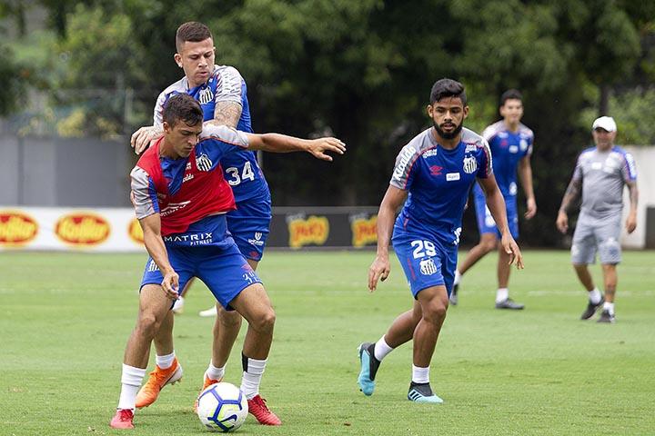 SANTOS,SP, 04.11.2019 - SANTOS - TREINO - Jobson, jogador do Santos durante treino realizado no CT Rei Pelé, em Santos/SP, na manhã desta segunda-feira, 04.