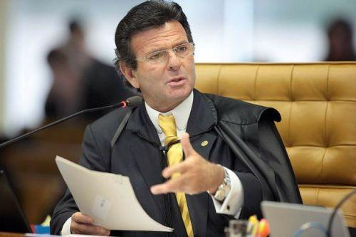 o-ministro-luiz-fux-que-deu-o-voto-de-minerva-para-adiar-a-aplicacao-da-_1